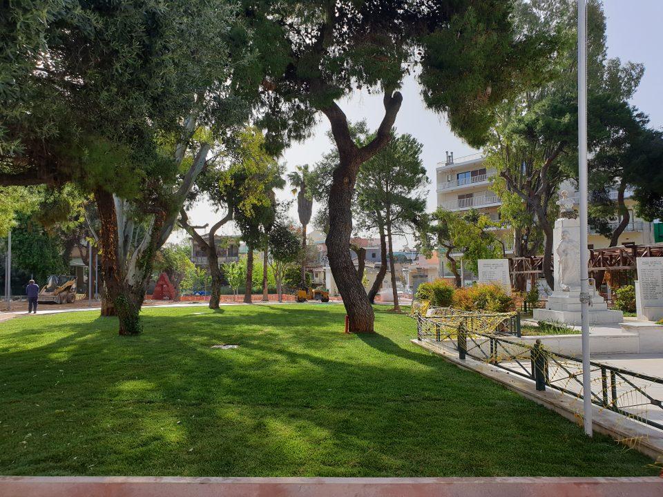 Μαρούσι, Πλατεία Ηρώων